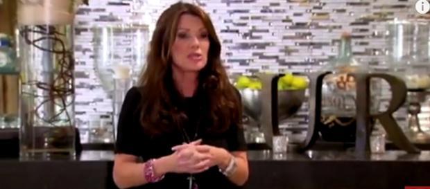 Bravo reality star Lisa Vanderpump refused taking promo photo with co-stars. [Image Source: ABC News - YouTube]