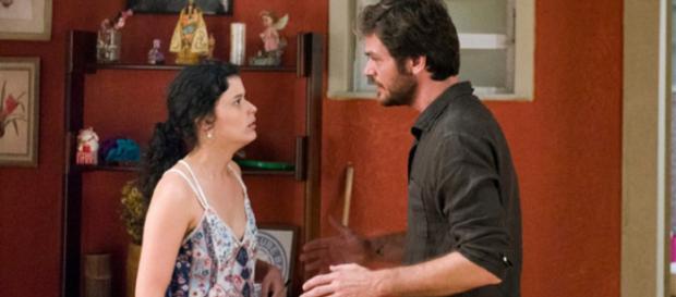 Com medo da prisão, a atriz revela que foi contratada por Laureta. (Reprodução/Internet)