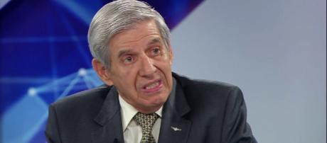 General Augusto Heleno concedeu entrevista a uma rádio e comentou sobre os direitos humanos. (foto reprodução)