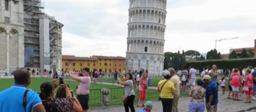 Tourists of Pisa [Image courtesy – Patrick Colucci YouTube video]