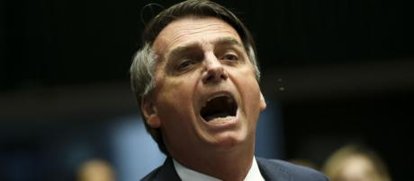 Bolsonaro critica questão do Enem 2018