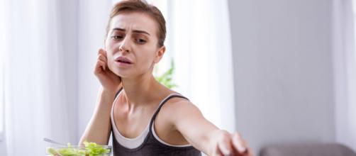 Ansiedade é uma das razões que faz com que as pessoas comam em excesso.