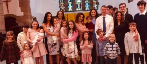 Britain's biggest family just welcomed their 21st child into the world. [Image @Netmums/Twitter]