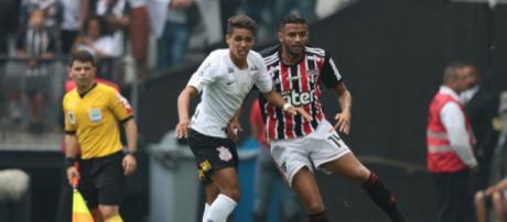 Corinthians e São Paulo se enfrentaram pelo Campeonato Brasileiro