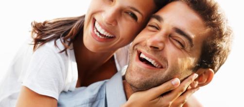 No dia a dia, principal característica de casais felizes é gentileza.