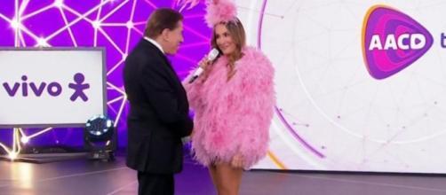 Silvio Santos critica roupa usada por Claudia Leitte no Teleton