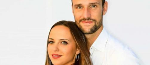 Temptation Island VIP: Andrea Zenga e Alessandra Sgolastra vicini e complici ad un evento.
