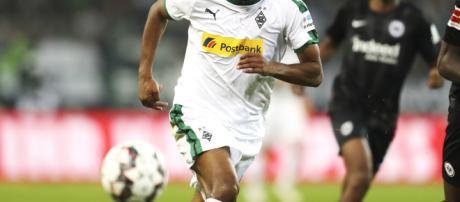 Alassane Plea sous le maillot du Borussia Monchengladblach - Winner Fabric France - winnerfabric.fr