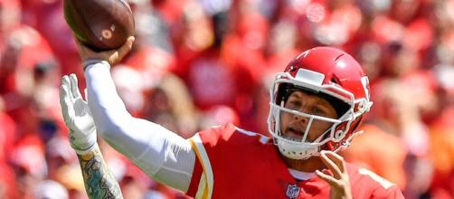 Mahomes' MVP season has the Chiefs headed towards a No. 1 seed if Kansas City continues their winning ways. [Image via NFL/YouTube]