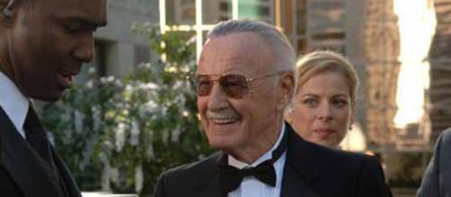 Stan Lee em Quarteto Fantástico minutos antes de ser expulso do casamento de Reed Richards e Sue Storm. (foto reprodução)