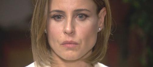 Trame, Il Segreto: Adela non rivela a Carmelo di essere minacciata da uno stalker