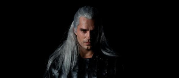 The Witcher : premier aperçu de Henry Cavill dans le costume de ... - numerama.com