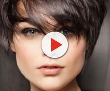Tagli di capelli inverno: lo shag e il colore castano e cioccolato