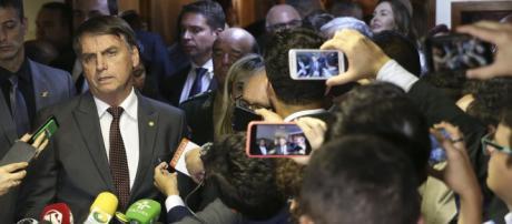 Bolsonaro concedeu entrevista coletiva.