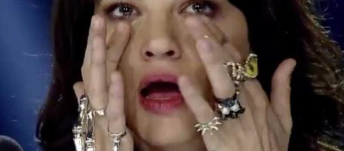 Asia Argento piange per Corona