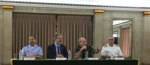 General em discurso na foto é escolhido para compor governo bolsonarista