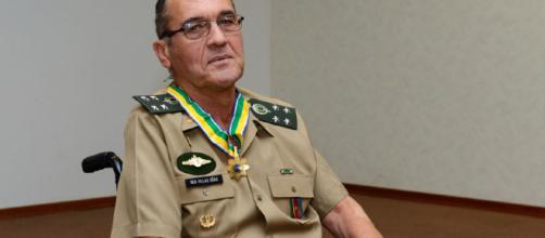 General Villas Bôas faz análise do papel do Exército no futuro governo do país