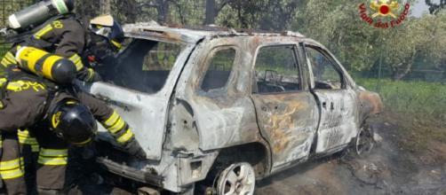 Incidente stradale tra Acerra e Marigliano, auto avvolta dalle fiamme: grave il conducente