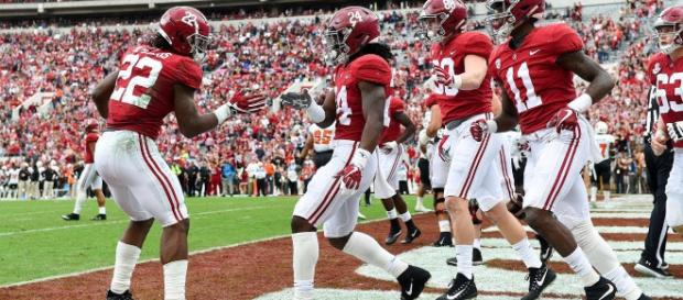 Do the Alabama Crimson Tide stand a chance against any NFL team? [Image via Alabama Football/YouTube]