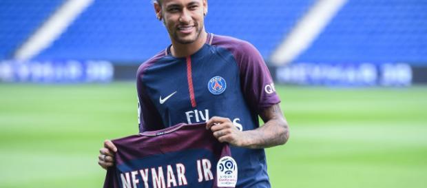 PSG : la direction du club serait inquiète pour l'avenir de Neymar