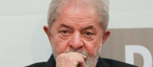 Ex-presidente Lula dá depoimento sobre processo do sítio de Atibaia