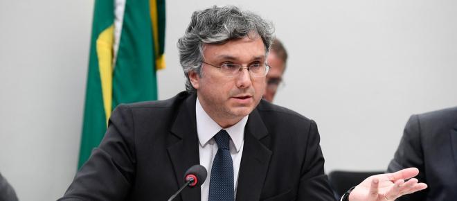 Ministro do Planejamento diz que salário mínimo pode ficar acima do previsto