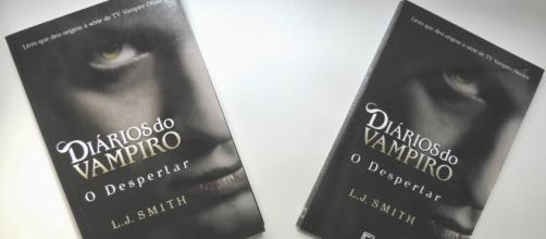 Série e livro têm algumas diferenças. (foto reprodução).