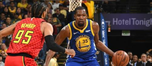 Kevin Durant led the Warriors on Tuesday (Nov. 13) with 29 points in a win against Atlanta. [Image via NBA/YouTube]