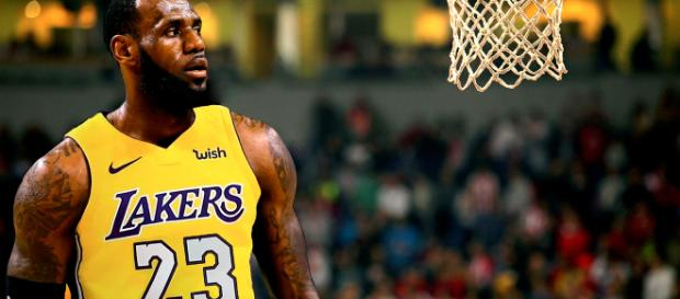 LeBron in Lakers Jersey Wallpapers New Tab – Free Addons - free-addons.com