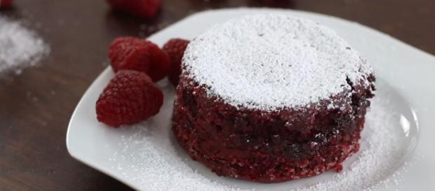 Red velvet lava cake [Home Cooking Adventure / Flickr]