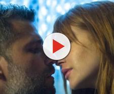 Gabriel beija Luz e se declara para ela, em O Sétimo Guardião