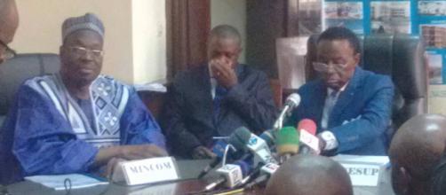 Le ministre de l'enseignement supérieur et le ministre de la communication (c) Odile pahai