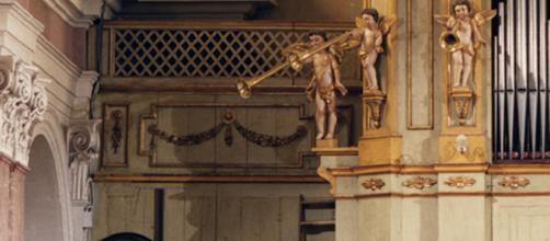 Organo della chiesa di Santa Maria Assunta a Montanaro. Dettaglio