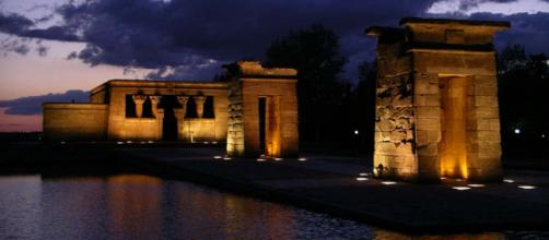 The Egyptian Temple of Debod - one of several fascinating attractions in Madrid, Spain [Image Michael.chlistalla/Wikimedia]