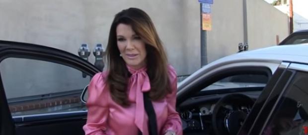 Bravo star Lisa Vanderpump has not quit reality show. [Image Source: TMZ - YouTube]