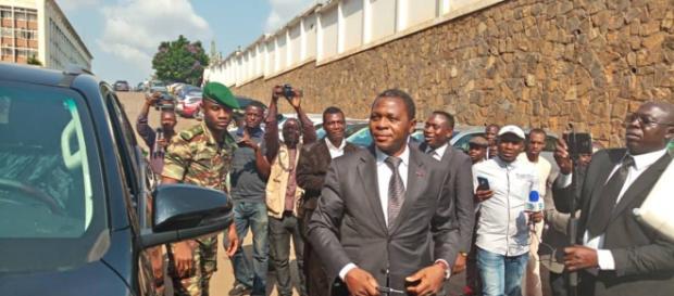 Le ministre de l'Administration territoriale (c) Douki Océane