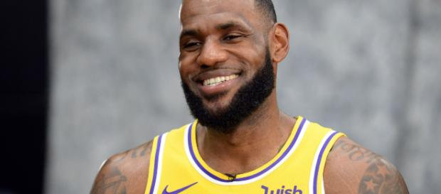 LeBron James a dépassé Wilt Chamberlain pour devenir le cinquième meilleur marqueur de l'histoire de la NBA - usatoday.com
