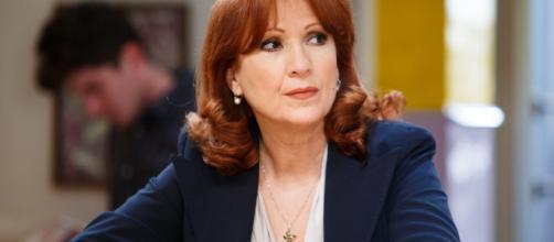 Giulia poggi, interpretata da Marina Tagliaferri - rai.it