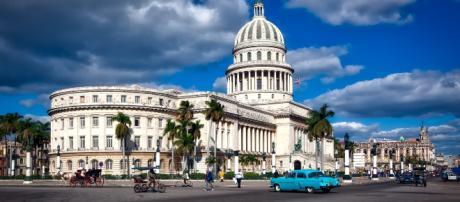 O envio de médicos cubanos para o exterior rende mais que seus tradicionais produtos de exportação