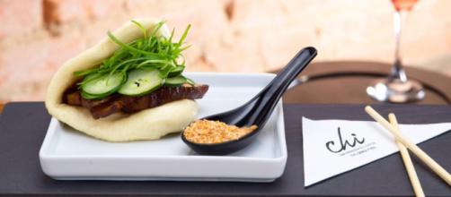 A ex-Masterchef Jiang Pu inaugurou em São Paulo o restaurante Chi. (foto reprodução).