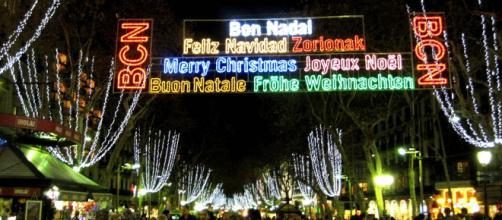 Multilingual Christmas lights in Barcelona, Spain. [Image Oh Barcelona/Flickr]