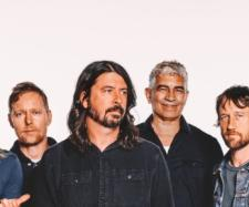 Foo Fighters' Dave Grohl loses his voice - turitmo.com