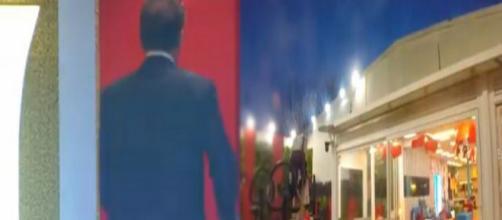 GFVip, spoiler puntata 19 novembre: alcuni cantanti famosi e Cecchi Paone entrano in casa