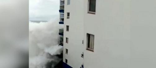 Una violenta mareggiata ha colpito Tenerife