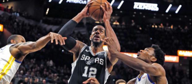 NBA: Golden State rate son road-trip texan, LeBron James brille à ... - la-croix.com