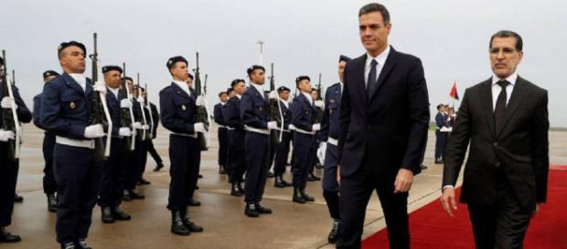 Pedro Sánchez, a su llegada a Rabat. / BALLESTEROS (EFE)