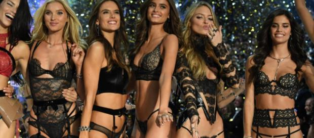 Selon la mannequin Australienne, les Anges de Victoria Secret 's'affament' avant les défilés