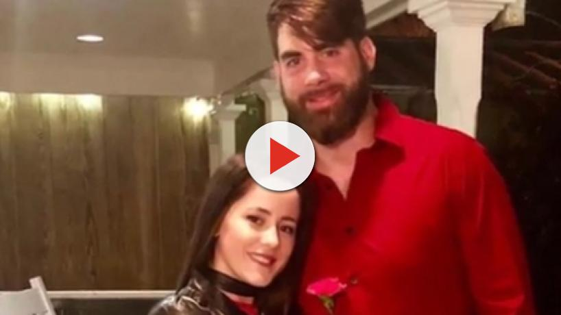 Teen Mom 2: Jenelle Evans in center of husband's Confederate Flag waving