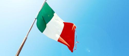 A Itália é uma república parlamentar unitária localizada no centro-sul da Europa.