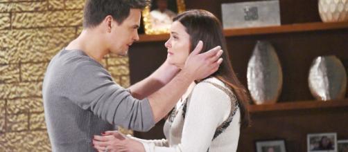 Beautiful, puntate dal 5 al 10 novembre: Katie e Wyatt mantengono segreta la relazione